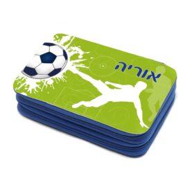 קלמר עם ציוד כדורגל